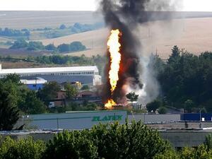 Овладяха пожара на газстанцията в Разград