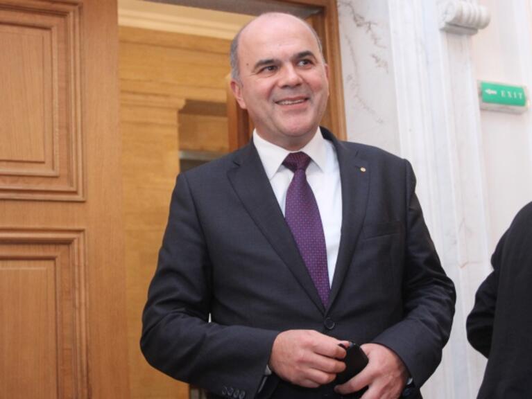 Бисер Петков: Отпадането на тавана за пенсиите ще зависи и от обществената реакция