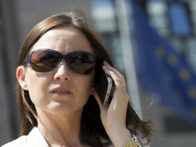 Спада делът на жалбите срещу мобилни оператори
