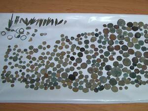 Митничари заловиха близо 2 кг контрабандни антики при Лесово