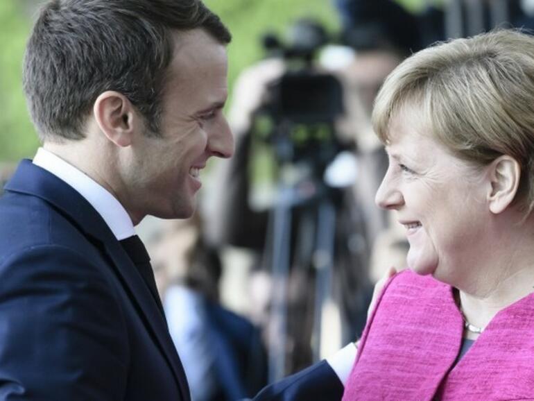 Меркел подкрепи Макрон за реформите