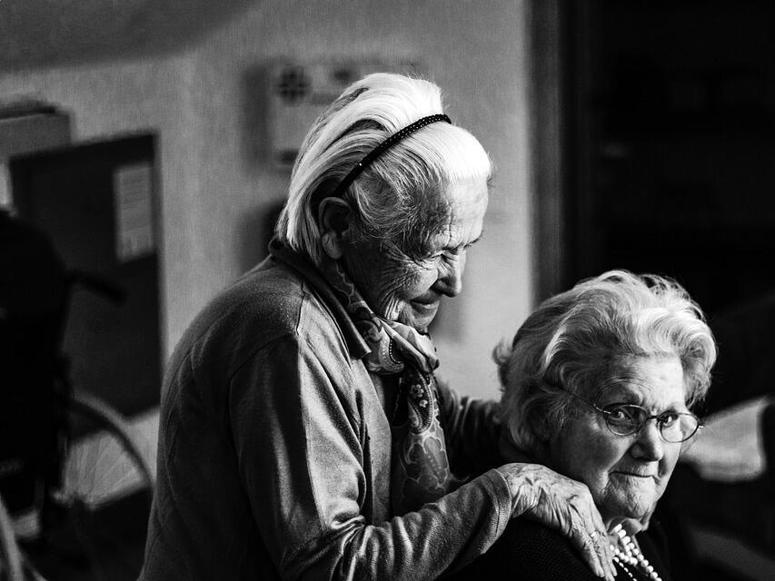 Българското население застарява, намалява и броя на хората в трудоспособна възраст