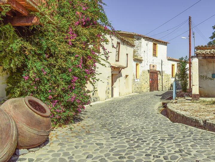 Сделките с недвижими имоти в Кипър намаляват драстично