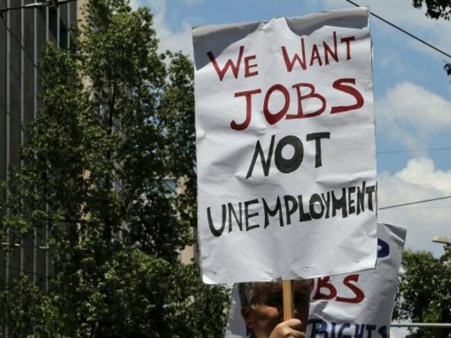 Молбите за помощи при безработица в САЩ се повишават слабо