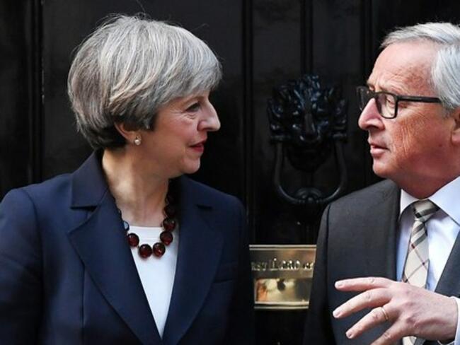 Нови преговори на Юнкер с Мей започват днес в Брюксел